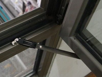 замена фурнитуры на алюминиевых окнах
